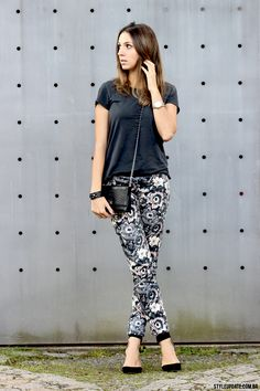 Floral Pants, Fashion Blogger, Street Style, Outfit of the day.    Style Update