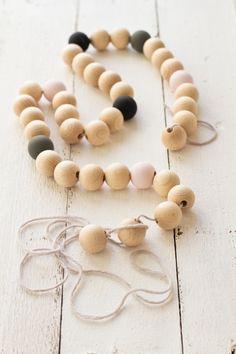 Dessous de table en perles de bois | Carnets Parisiens