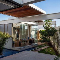 Sliding Pergolas House by FGMF Arquitetos (6)