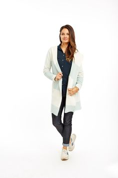 Carve Alamosa Hooded Coat - Womens Check out the coolest car coat ever made. Alamosa hooded coat in a wool/alpaca blend that is to die for! Weather Seasons, Outdoor Brands, Winter Wonder, Fall Winter 2015, Style Guides, Color Combinations, Hoods, Carving, Turquoise