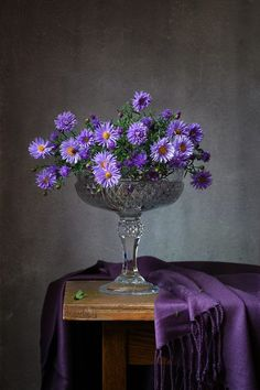 Photos of the genre Colorful Flowers, Purple Flowers, Beautiful Flowers, Still Life Photos, Still Life Art, Art Floral, Flower Vases, Flower Art, Still Life Flowers