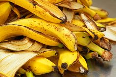 Banana Peels are more useful than we think. I will share with you juicy gossips on banana peel benefits. The endpoint for banana peel doesn't always have to be the trash; Garden Plants Vegetable, Garden Soil, Banana Peel Uses, Banana Peels, Banana Benefits, Eating Bananas, Soil Improvement, Cholesterol Lowering Foods, Cholesterol Levels