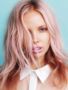 10 pale pastel pink hair with blond? Cabelo Rose Gold, Rose Gold Hair, Silver Hair, Subtle Hair Color, Hair Colours, Pastel Pink Hair, Pretty Pastel, Purple Hair, Pastel Blonde