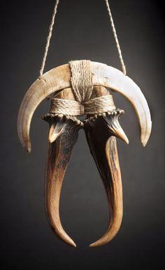 India   Naga pendant; wild pig tusk and deer antlers.  H:  12.6 cm   180€ ~ sold (Mar '15)