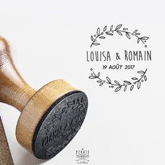 Tampon Mariage vintage, Couronne d'olivier champêtre. Tampon personnalisé de vos prénoms & date du mariage, à apposer sur vos faire-parts, enveloppes, ...