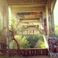 #oldBonsallBridge#NorthCountygraffiti#SanDiegograffiti#sunset#sure#sureck#dee#deeone#nuke#graffiti#bombing#painting#StreetArt#StreetLife #Streetcrimes#streetstyle#artlife#art#lovelife#myson#California#Californiastyle @chugging_kegs by ronniethiel