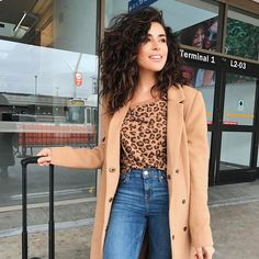 cool 25 Amazing Ways To Style Naturally Curly Hair – Steal The Show in 2017 Check more at http://newaylook.com/best-ways-to-style-naturally-curly-hair/