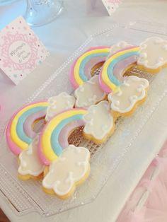 Galletas de Arcoiris - Fiesta de Unicornios Rainbow First Birthday, Unicorn Themed Birthday, 5th Birthday Party Ideas, 1st Birthday Girls, Unicorn Party, First Birthday Parties, First Birthdays, Birthday Cake, Little Pony Cake