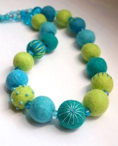 Yvet / Korále - odstíny zelené I. Textiles, Felting, Wood Crafts, Sculpting, Turquoise Bracelet, Bracelets, Accessories, Ideas, Jewelry