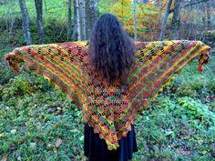 Autumn colors shawl.  #Autumn #crochet #shawl #OldenPatterns
