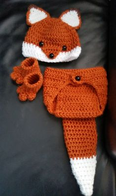 Crochet Newborn Baby Girl or Boy Woodland Fox Costume - Photo Prop - Beanie Hat, Diaper Cover, and Booties.  This is perfect for a