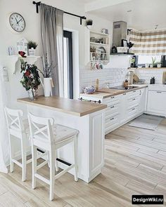 Dress up the kitchen furniture with a small budget - Home Fashion Trend Kitchen Room Design, Home Room Design, Kitchen Layout, Home Decor Kitchen, Interior Design Kitchen, Kitchen Furniture, New Kitchen, Home Kitchens, Kitchen Remodel