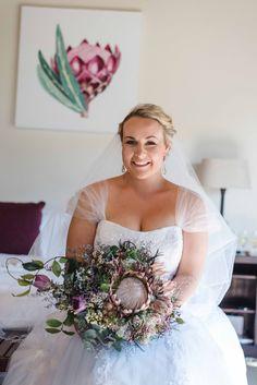 Cascading King Protea bouquet Protea Bouquet, King Protea, Wedding Day, Crown, Photography, Fashion, Pi Day Wedding, Fotografie, Moda