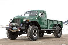 Beau comme un pick-up serait plus adapté, mais je n'ai pas pu résister ! Vu aujourd'hui sur le site du magazine intersection, ce pick-up Dodge Power Wagon. Un classique de la motor culture américaine, subtilement customisé par Legacy Classic Truck, un atelier situé à Jackson Hole dans le Wyoming.