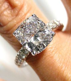 Wedded Bliss: Ring Ring RINGS... You're guide to engagement rings!