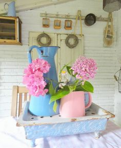 Blues and pinks evoke a simple life