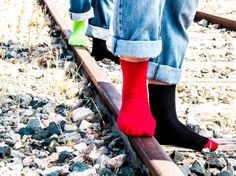 calcetines rojos y verdes lisos o combinados con negro / red & green socks Red Obsession socks by Lemonade Attack, available in our online shop