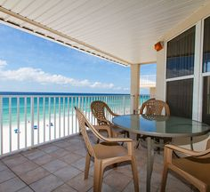 Enjoy resort living at The Palms Condominiums in Fort Walton Beach, Florida  -- with sparkling pool, free golf, beach chairs, movie rentals and dolphin cruises with each paid night.