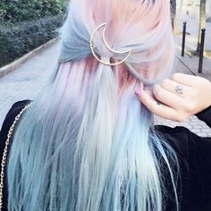 Look at this beautiful pastel hair! #pastel #hairstyle #grunge #hairdye