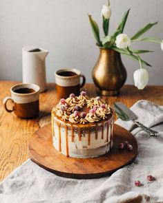 """540 tykkäystä, 68 kommenttia - Essi    Pinossa-sisustusblogi (@essi.pinossa) Instagramissa: """"Eilen juhlimme 2-vuotiasta J:tä pienellä porukalla, eivätkä synttärikahveet olisi tietenkään olleet…"""" Food Inspiration, Tiramisu, Cheesecake, Cooking Recipes, Lifestyle Blog, Ethnic Recipes, Desserts, Cakes, Tailgate Desserts"""
