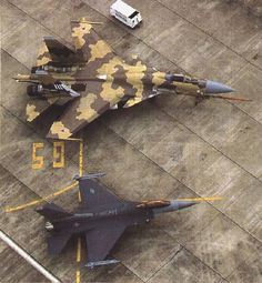 Side by side. Sukhoi Su-37 and a USAF F-16