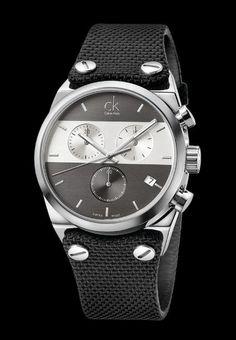 b7d23925e3e Calvin Klein Men s Eager Fabric Grey and Silver Swiss Quartz  (Battery-Powered) Watch (Black)
