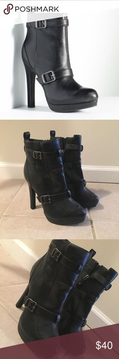 Simply Vera Wang High Heel Ankle Boots NWOT Simply Vera Wang hIgh heel ankle boots. These have never been worn out of the house! In absolute perfect condition. Product details are in the photos. These are a must have for any fall/winter night out! The best part about them is how comfortable they are. Extremely well made shoe make an offer! Simply Vera Vera Wang Shoes Heeled Boots
