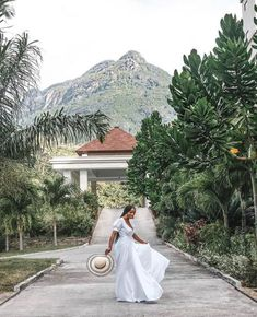 - True capture of a care free black queen Tag destination! Tourist Spots, Free Black, Black Queen, Adventure Travel, Travel Destinations, In This Moment, Wedding Dresses, Pictures, Inspiration