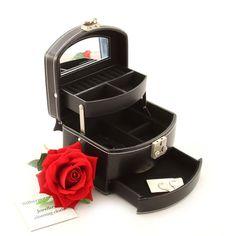 Cumparati London Luxury Jewelry Case by Friedrich, Germany exclusiv prin magazinul online de cadouri Borealy. Gifts, Jewelry, Fashion, Moda, Presents, Jewlery, Bijoux, Fashion Styles, Schmuck