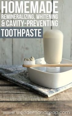 Homemade Remineralizing & Whitening Toothpaste Recipe You can't always count on conventional toothpaste for remineralizing and whitening. Here's a toothpaste recipe for one that does just that! Toothpaste Recipe, Homemade Toothpaste, Natural Toothpaste, Bentonite Clay Toothpaste, Healthy Toothpaste, Herbal Toothpaste, Homemade Deodorant, Natural Deodorant, Home Remedies