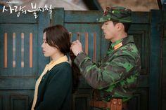 Crash Landing On You-Hyun Bin-K Drama_id-Subtitle Hyun Bin, Asian Actors, Korean Actors, Korean Drama Movies, Korean Dramas, Pose Reference Photo, W Two Worlds, Lee Jung, Movies