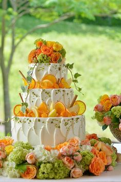 Could use lemons and strawberries as cake decor if using those flavors Beautiful Wedding Cakes, Beautiful Cakes, Amazing Cakes, Cupcakes, Cupcake Cakes, Boho Cake, Fruit Wedding, Fall Wedding, Naked Cake
