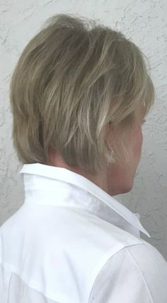 back view of the best haircut for fine hair on jennifer connolly of a well style. back view of the best haircut for fine hair on jennifer connolly of a well styled life Medium Thin Hair, Short Thin Hair, Short Hair With Layers, Short Hair Styles, Haircuts For Thin Fine Hair, Bobs For Thin Hair, Cool Haircuts, Fine Thin Hair Cuts, Short Haircut