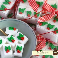 zollette di zucchero decorate Sugar Cubes, 1st Christmas, Fudge, Confetti, Cookies, Cake, Sweet, Desserts, Studio