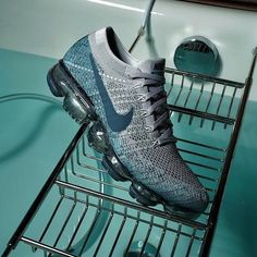 Another Nike in a cool Aqua blue Flyknit upper with speckled soles is coming soon. For a closer look, tap the link in our bio. New Sneakers, Air Max Sneakers, Sneakers Nike, Nike Air Vapormax, Aqua Blue, Behind The Scenes, Closer, Pairs, Link