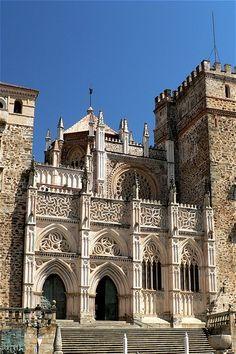 Monasterio de Guadalupe. Detalle de la fachada. Extremadura. ESPAÑA