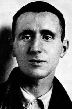 El dramaturgo Bertolt Brecht