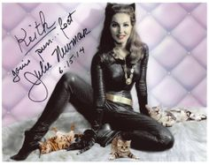 Julie Newmar Signed Autographed 10 x 8 Photo Photograph Catwoman Batman 13 Classic Hollywood, Old Hollywood, Original Catwoman, James Gordon, Batman Sign, Batman Costumes, Catwoman Selina Kyle, Robin, Catwoman Cosplay