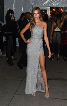 Josephine Skriver attends the Annual amfAR New York Gala on February 2017 in NYC. Stunning Dresses, Elegant Dresses, Cute Dresses, Formal Dresses, Josephine Skriver, Gala Dresses, Red Carpet Dresses, Dream Dress, Look Fashion