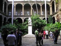 Patio del Palacio de los Capitanes Generales (Foto: Wereldreiziger bajo lic. CC BY-SA 3.0)