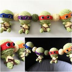 Ugglor som barnvagnsmobil i all ära men turtles är liiiite coolare. Virkade en egen och pimpade lillebrors vagn.  by mlisorqvist