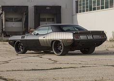 This beautiful '71 Cuda on Forgeline GZ3 wheels was built by Wisconsin's Salvaggio Automotive Design ... Sweet!
