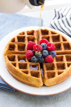 Best Easy Healthy Pancake Recipe (Whole Wheat Pancakes) Best Healthy Pancake Recipe, Easy Waffle Recipe, Healthy Waffles, Waffle Recipes, Healthy Cookies, Healthy Baking, Healthy Recipes, Pancake Recipes, Healthy Eats