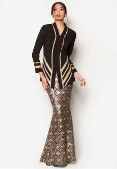 Art Deco Acantha Baju Kurung from Jovian Mandagie for Zalora in Modest Fashion, Hijab Fashion, Fashion Dresses, Fasion, Batik Kebaya, Batik Dress, Hijabi Gowns, Gaun Dress, Model Kebaya