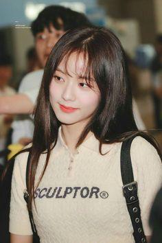 Your source of news on YG's biggest girl group, BLACKPINK! Kim Jennie, Kpop Girl Groups, Kpop Girls, Korean Bangs, My Girl, Cool Girl, Black Pink ジス, Blackpink Fashion, Blackpink Jisoo