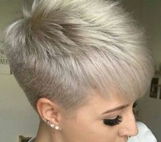 Today we have the most stylish 86 Cute Short Pixie Haircuts. We claim that you have never seen such elegant and eye-catching short hairstyles before. Pixie haircut, of course, offers a lot of options for the hair of the ladies'… Continue Reading → Pixie Haircut For Thick Hair, Funky Short Hair, Thin Hair Cuts, Super Short Hair, Short Hairstyles For Thick Hair, Short Grey Hair, Short Pixie Haircuts, Short Hair Cuts For Women, Short Hair Styles