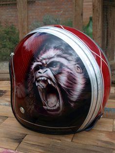 Custom Helmet, casque moto Gorilla Torx Peint par Bude Julien