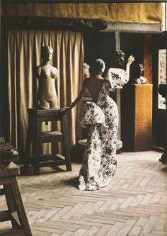 Ahn Duong with sculpture in Yves Saint Laurent haute couture, S/S 1986. Photo: David Seidner. While she was a ballet dancer in Paris, Duong was discovered by photographer David Seidner