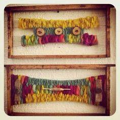 Resultado de imagen para telares decorativos arboles Weaving Art, Loom Weaving, Textiles, Silk Ribbon Embroidery, Woven Wall Hanging, Weaving Techniques, Diy Paper, Woven Fabric, Textile Art