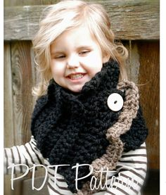 Crochet PATTERNThe Layla Cowl Child Adult sizes by Thevelvetacorn Plus this little girl is too darn cute! Beau Crochet, Crochet Mignon, Cute Crochet, Beautiful Crochet, Knit Crochet, Crochet Hats, Crochet Scarves, Crochet Clothes, Knitted Hats Kids